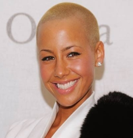 Amber rose en skaldet model