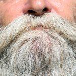 Hvor hurtigt vokser skæg og hår?