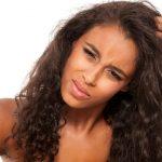 Kløe i hovedbunden – Årsager, behandling og forebyggelse